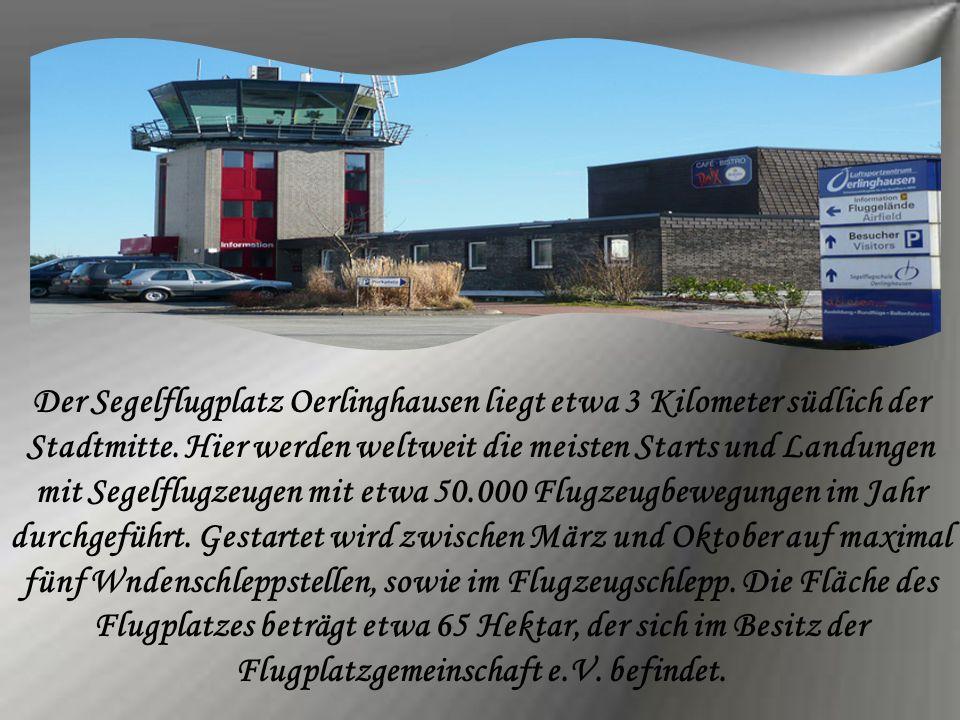 Der Segelflugplatz Oerlinghausen liegt etwa 3 Kilometer südlich der Stadtmitte.