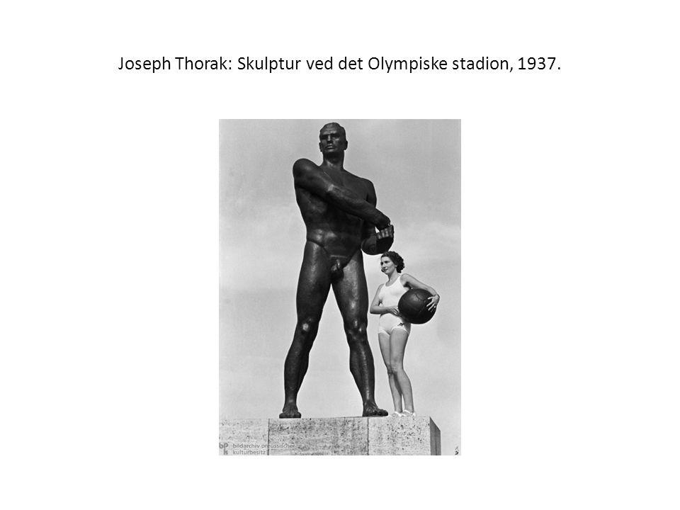 Joseph Thorak: Skulptur ved det Olympiske stadion, 1937.