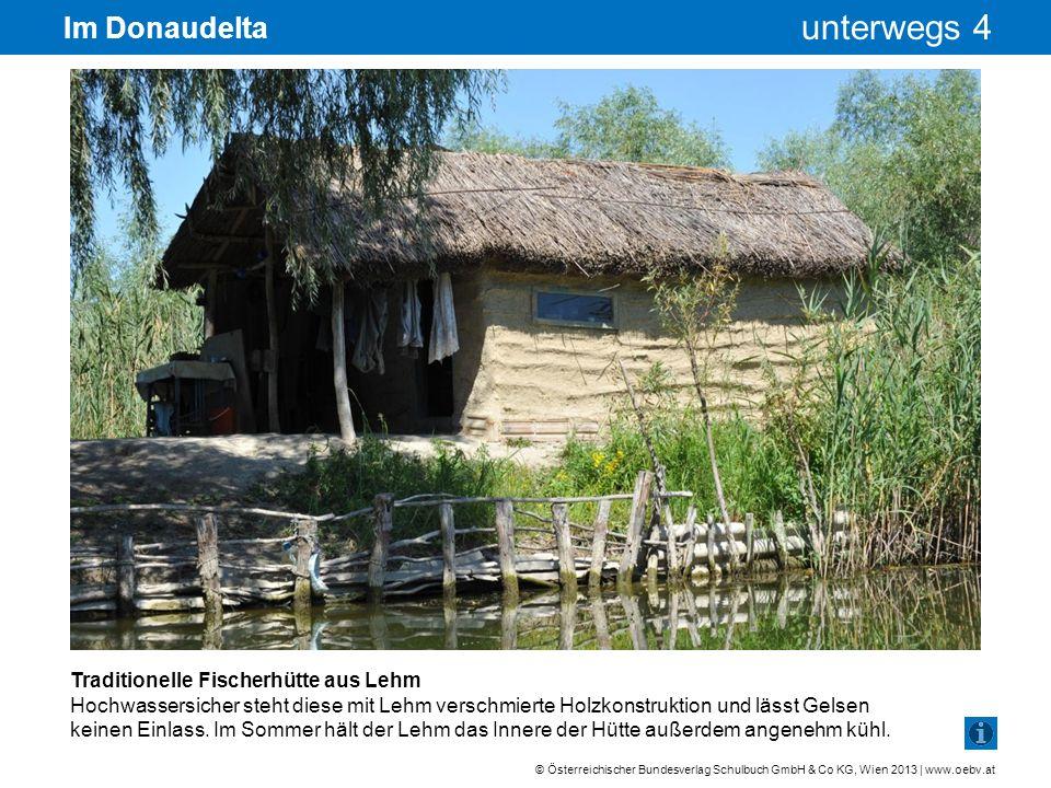 Im Donaudelta Traditionelle Fischerhütte aus Lehm