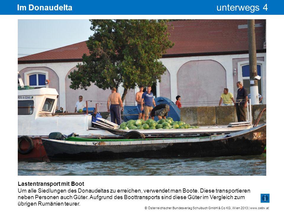 Im Donaudelta Lastentransport mit Boot
