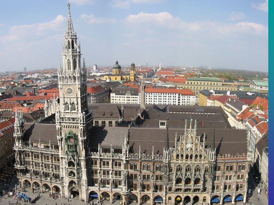 Das Neue Rathaus Das neugotische Neue Rathaus am Münchner Marienplatz wurde in den Jahren 1867 bis 1909 erbaut.