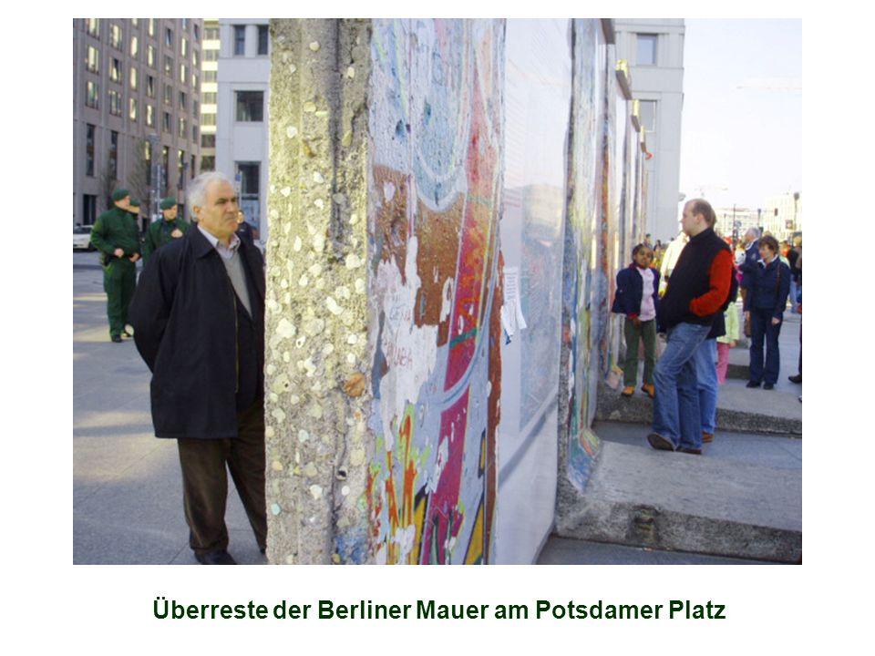 Überreste der Berliner Mauer am Potsdamer Platz
