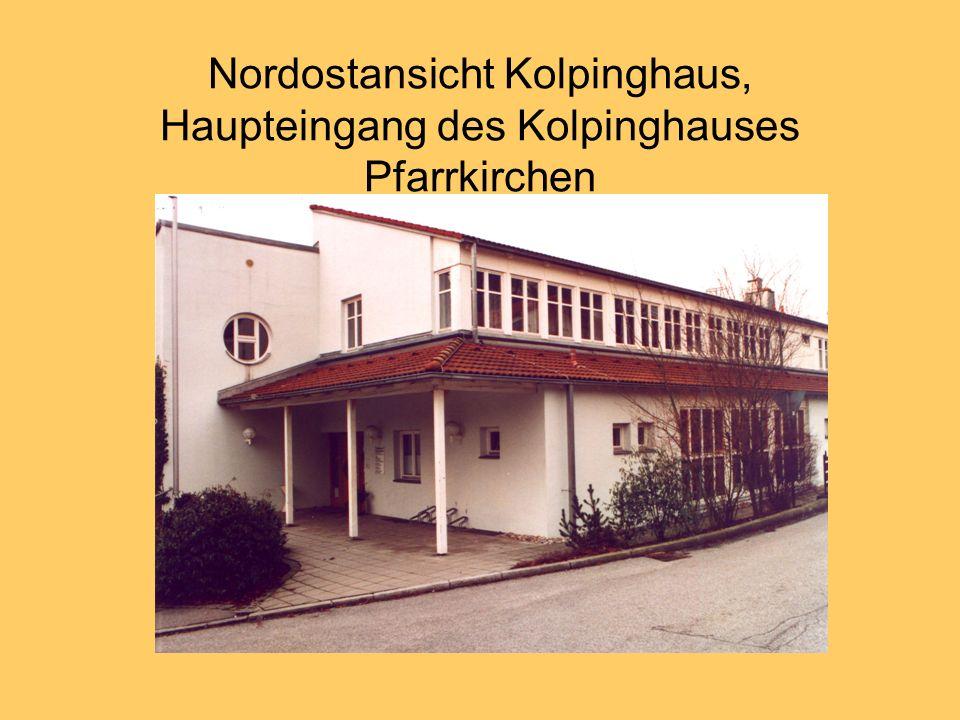 Nordostansicht Kolpinghaus, Haupteingang des Kolpinghauses Pfarrkirchen