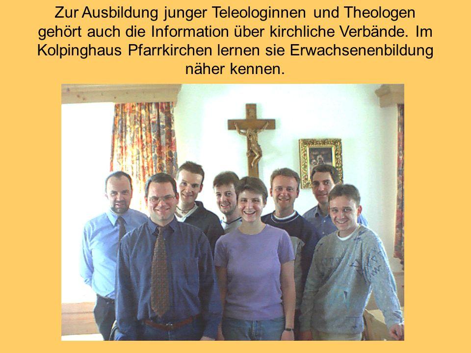 Zur Ausbildung junger Teleologinnen und Theologen gehört auch die Information über kirchliche Verbände.