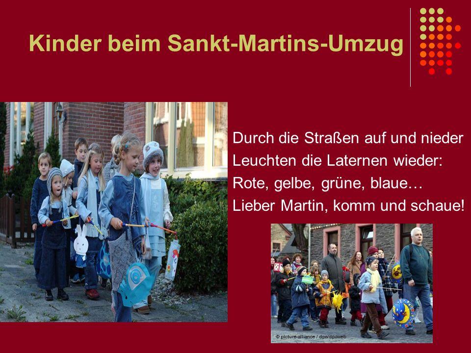 Kinder beim Sankt-Martins-Umzug