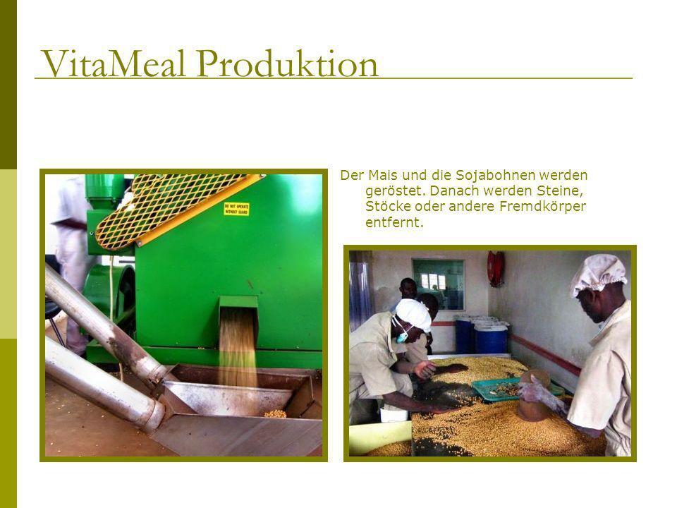 VitaMeal Produktion Der Mais und die Sojabohnen werden geröstet.