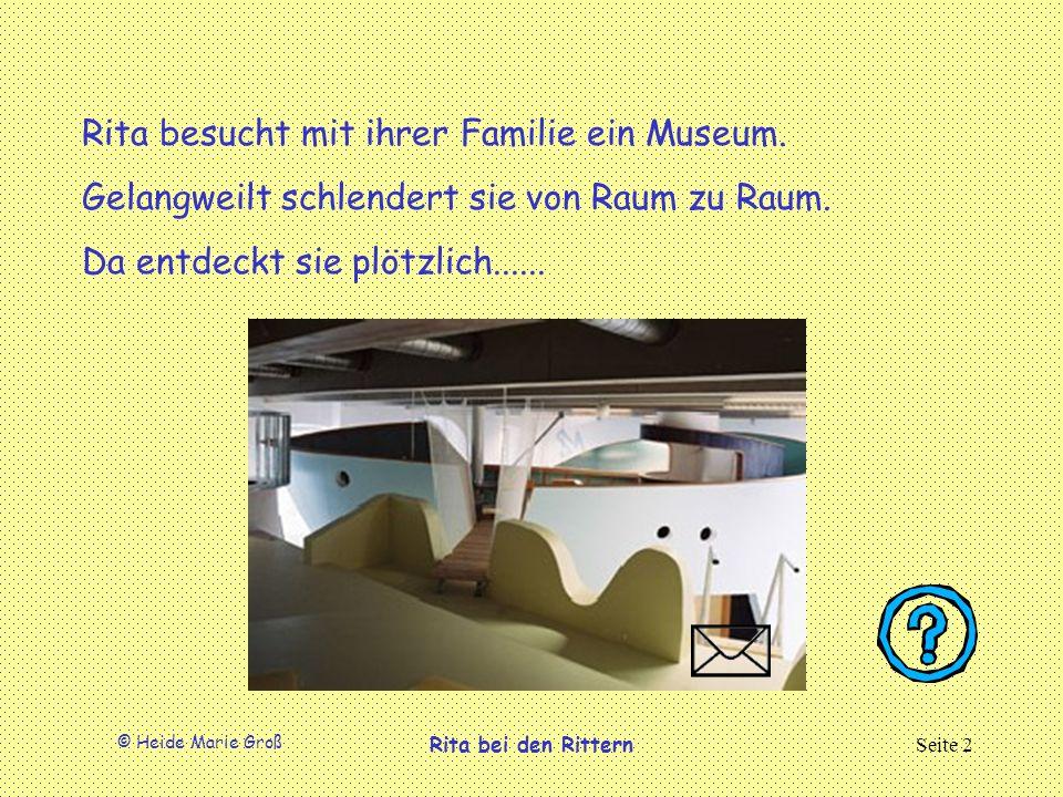 Rita besucht mit ihrer Familie ein Museum.