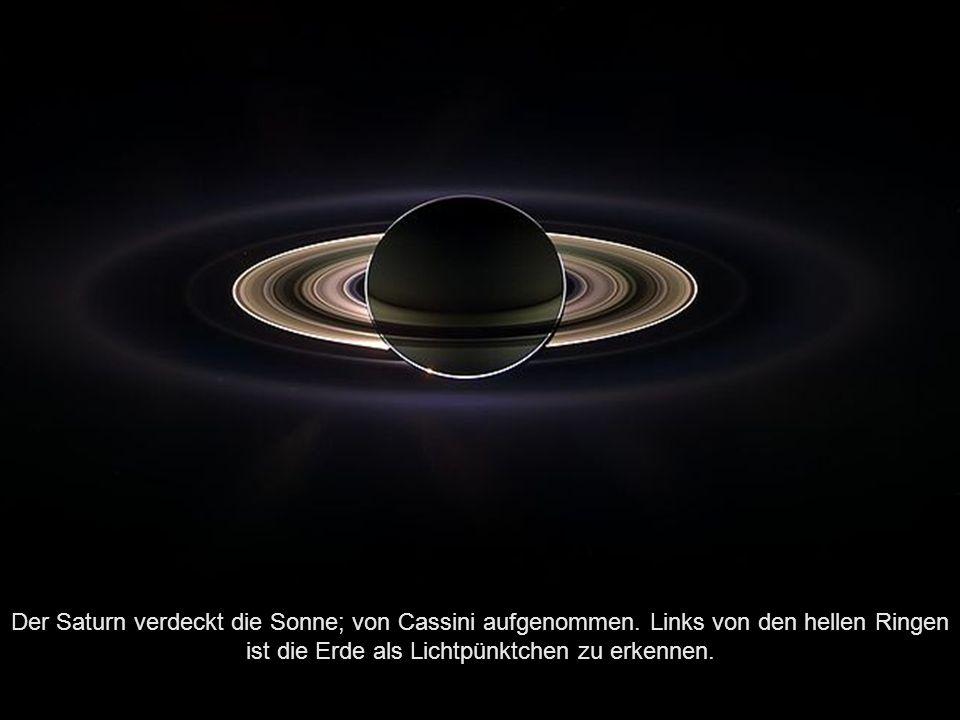 Der Saturn verdeckt die Sonne; von Cassini aufgenommen
