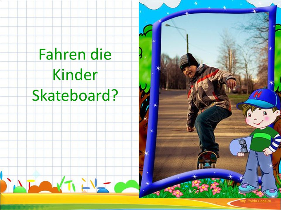 Fahren die Kinder Skateboard