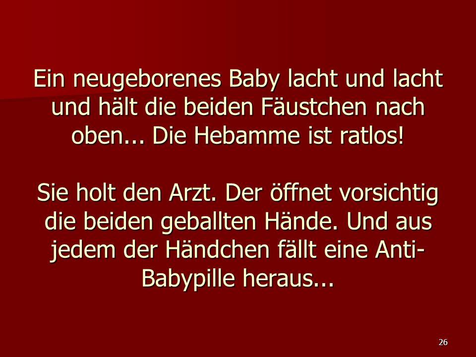 Ein neugeborenes Baby lacht und lacht und hält die beiden Fäustchen nach oben...