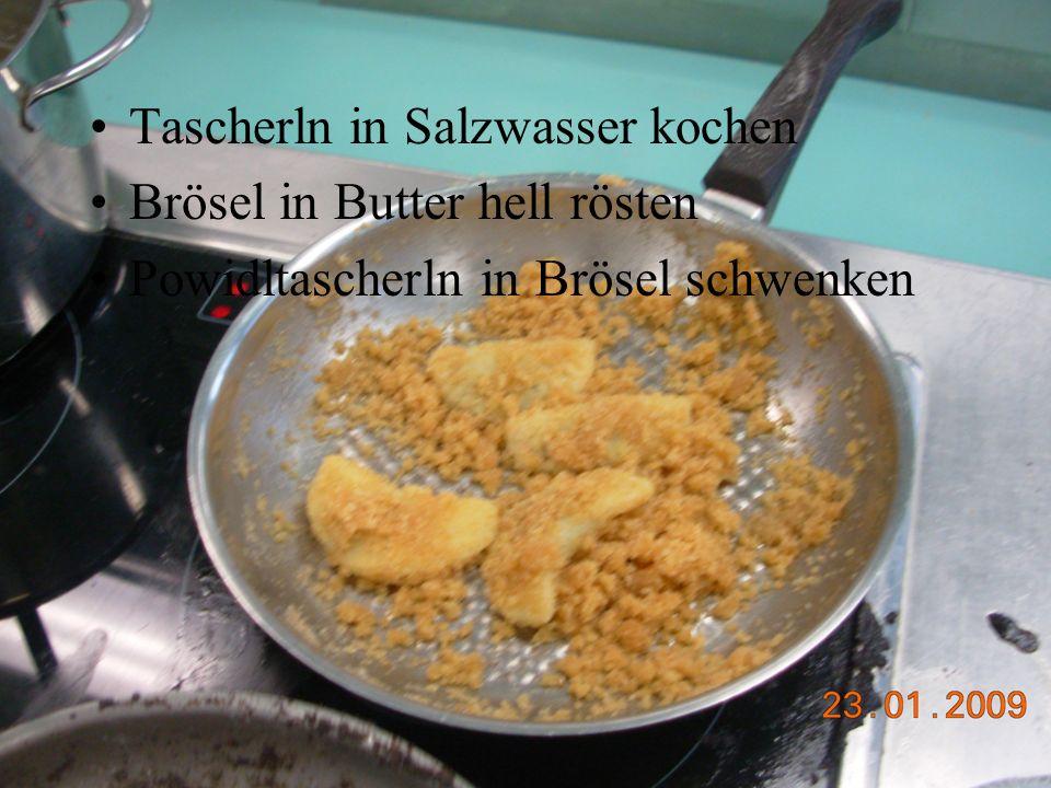 Tascherln in Salzwasser kochen