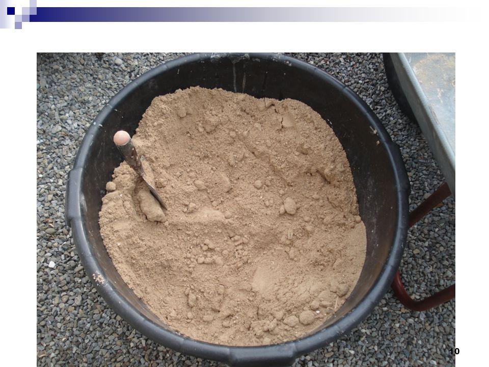Sandprobe. Die folgenden Bilder dokumentieren das Aufarbeiten der Sandprobe, schlämmen und sieben