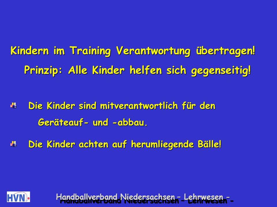 Kindern im Training Verantwortung übertragen