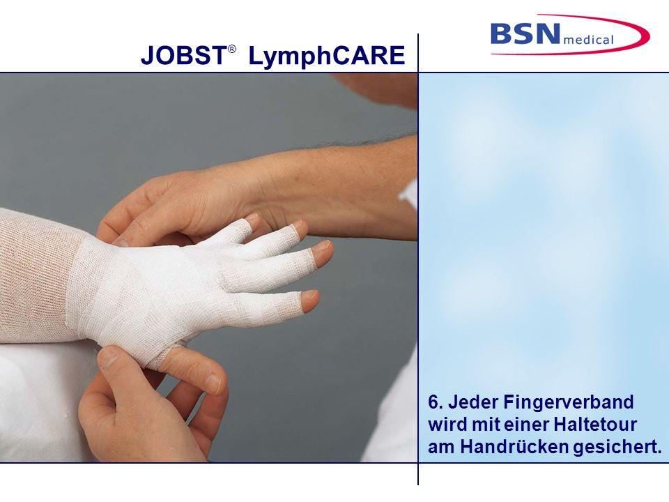 6. Jeder Fingerverband wird mit einer Haltetour am Handrücken gesichert.