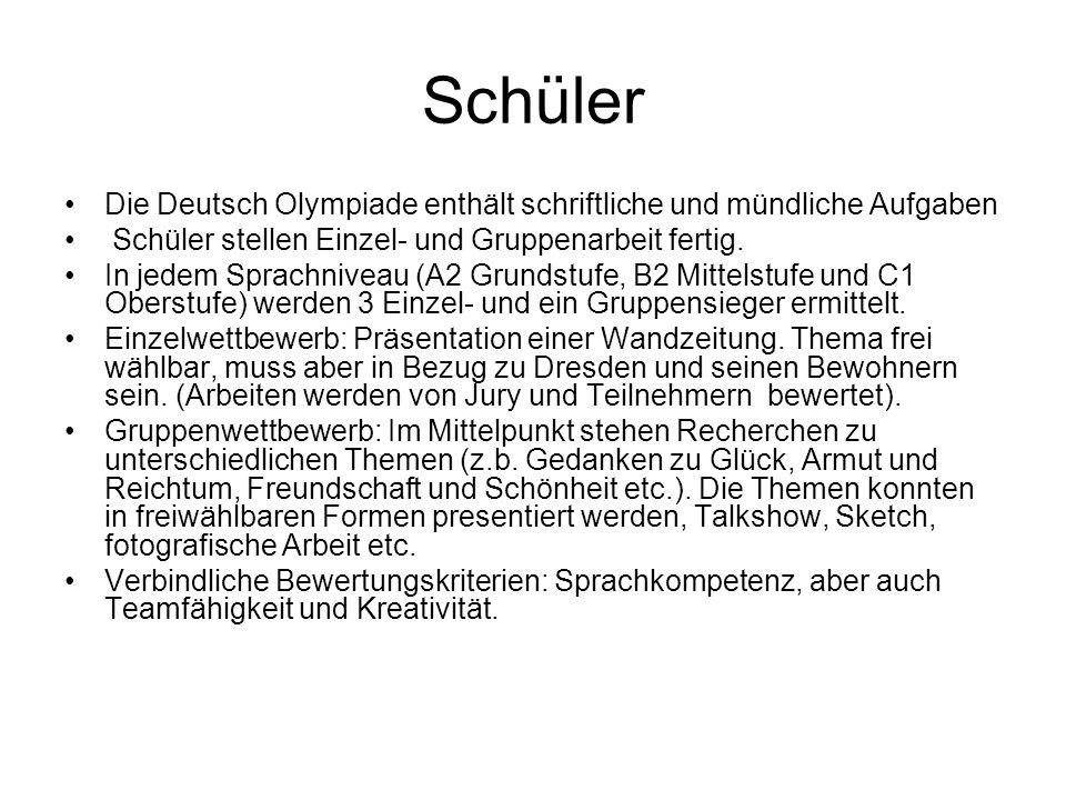 Schüler Die Deutsch Olympiade enthält schriftliche und mündliche Aufgaben. Schüler stellen Einzel- und Gruppenarbeit fertig.