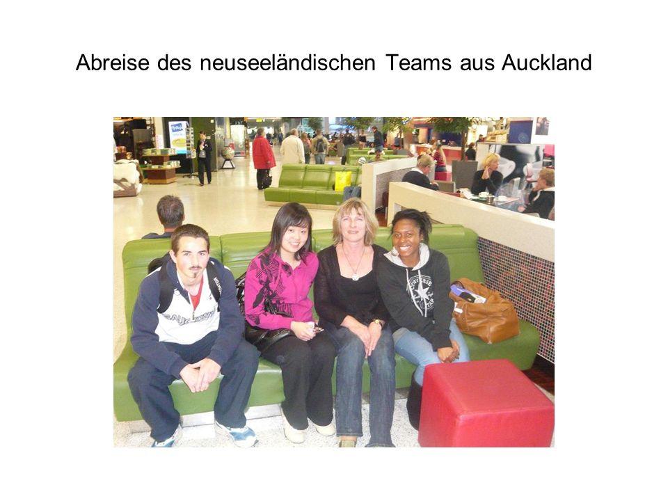 Abreise des neuseeländischen Teams aus Auckland