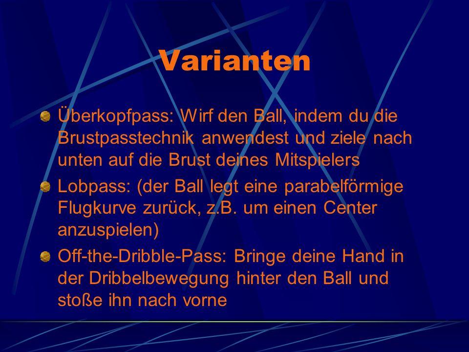 Varianten Überkopfpass: Wirf den Ball, indem du die Brustpasstechnik anwendest und ziele nach unten auf die Brust deines Mitspielers.