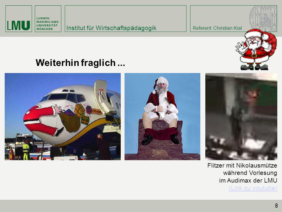 Weiterhin fraglich ... Flitzer mit Nikolausmütze während Vorlesung