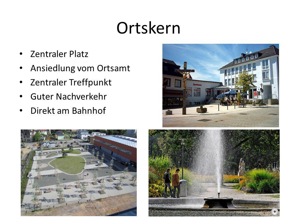 Ortskern Zentraler Platz Ansiedlung vom Ortsamt Zentraler Treffpunkt