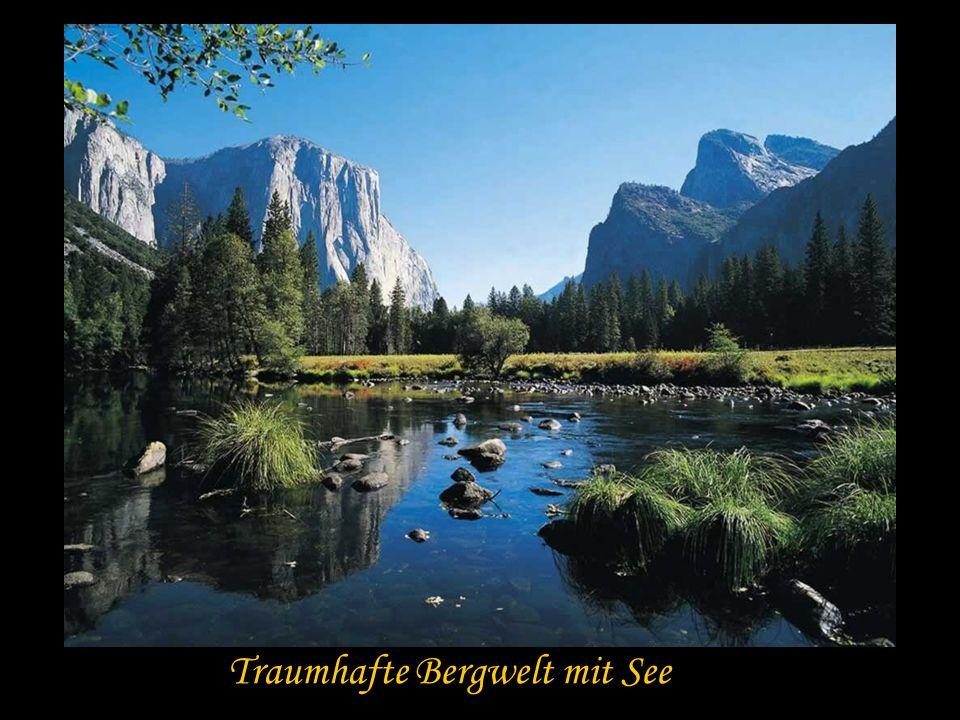 Traumhafte Bergwelt mit See