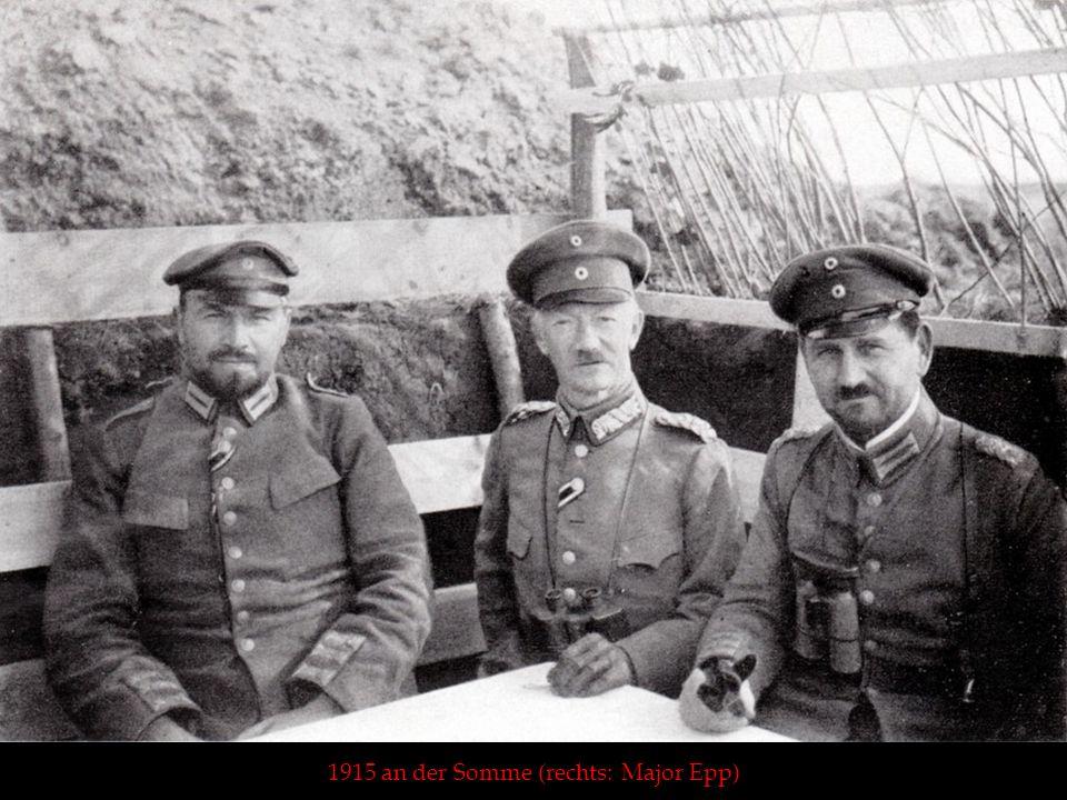 1915 an der Somme (rechts: Major Epp)