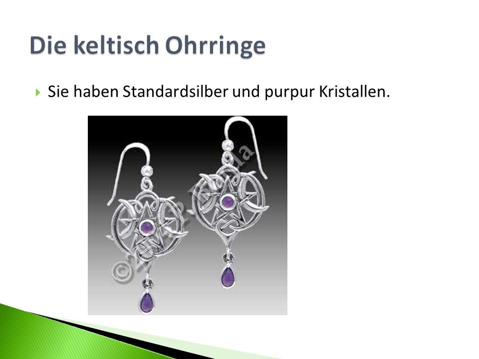 Die keltisch Ohrringe Sie haben Standardsilber und purpur Kristallen.