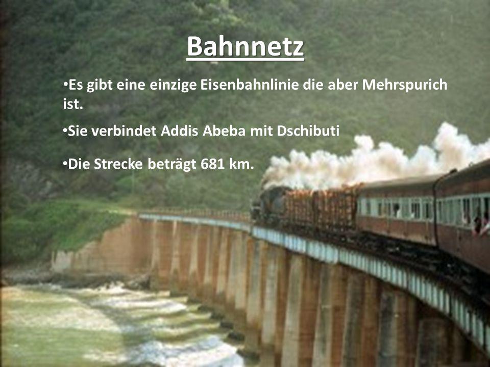 Bahnnetz Es gibt eine einzige Eisenbahnlinie die aber Mehrspurich ist.