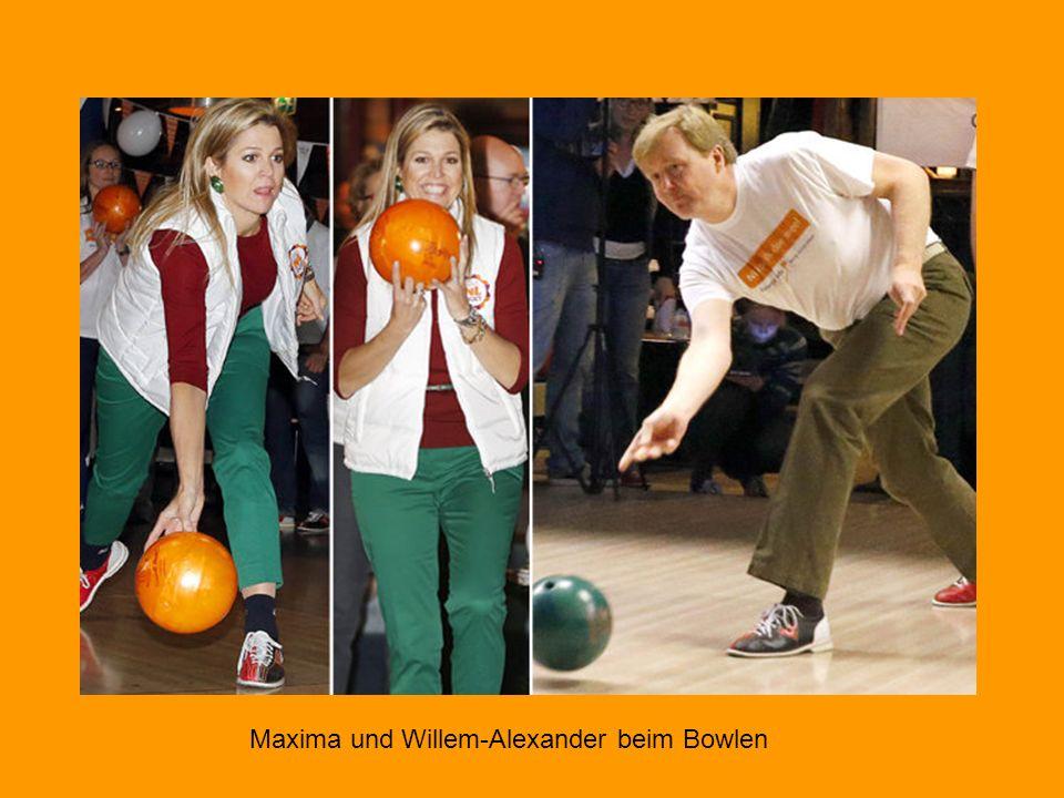 Maxima und Willem-Alexander beim Bowlen