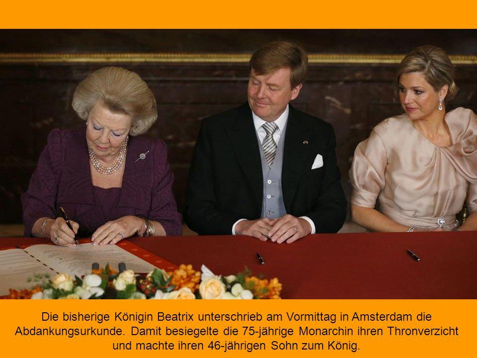 Die bisherige Königin Beatrix unterschrieb am Vormittag in Amsterdam die Abdankungsurkunde.