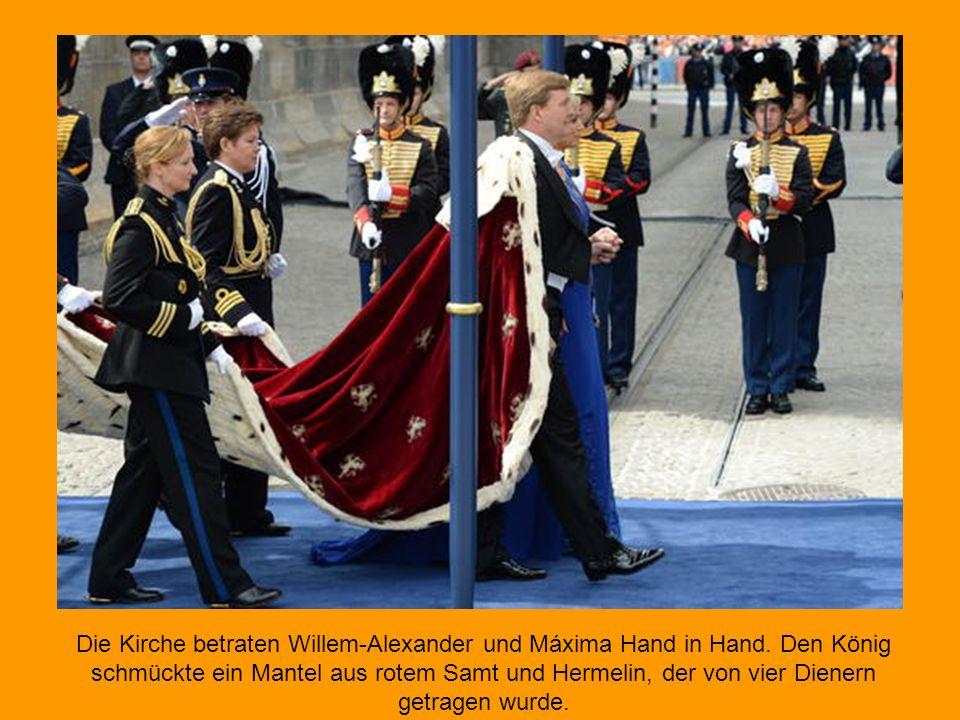 Die Kirche betraten Willem-Alexander und Máxima Hand in Hand