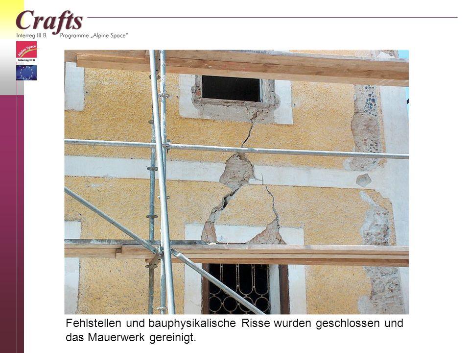 Fehlstellen und bauphysikalische Risse wurden geschlossen und das Mauerwerk gereinigt.
