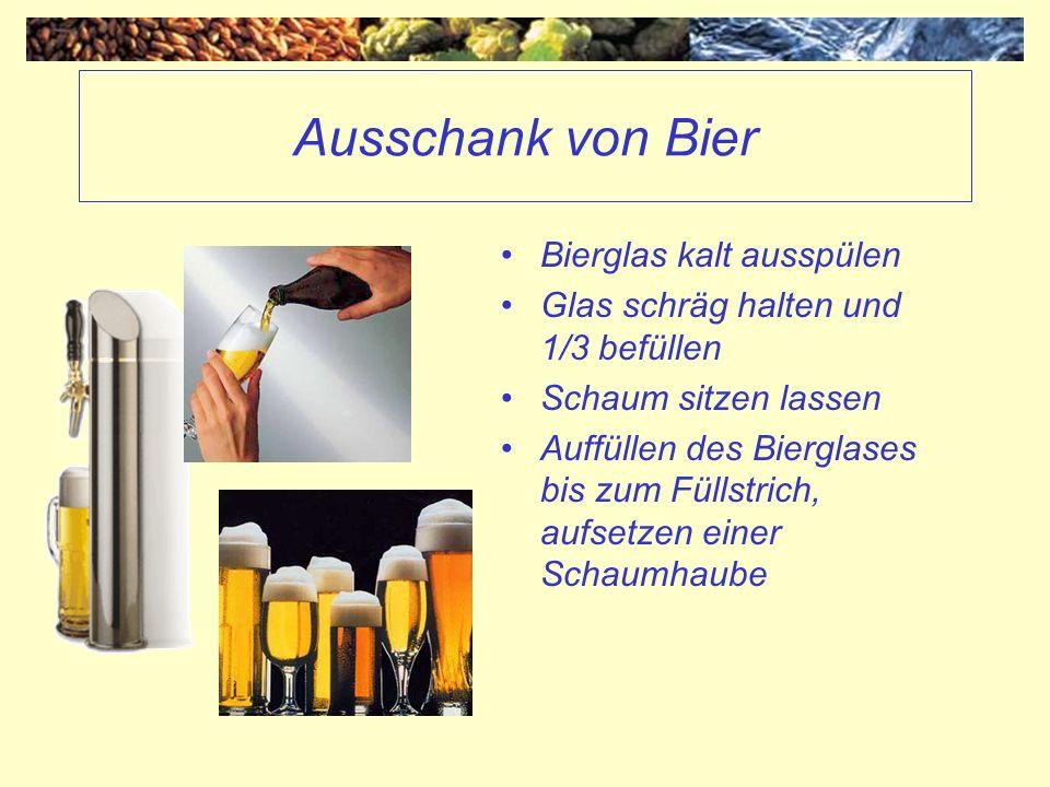 Ausschank von Bier Bierglas kalt ausspülen