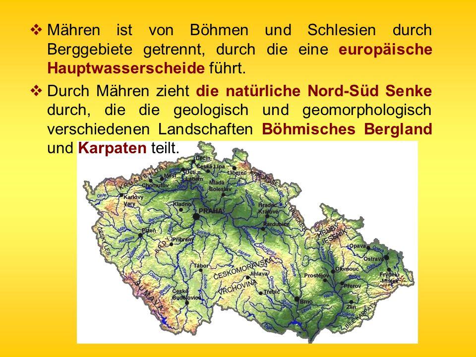 Mähren ist von Böhmen und Schlesien durch Berggebiete getrennt, durch die eine europäische Hauptwasserscheide führt.