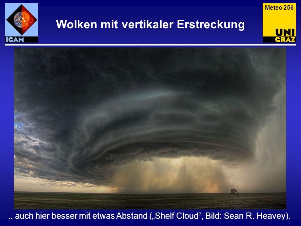 Wolken mit vertikaler Erstreckung