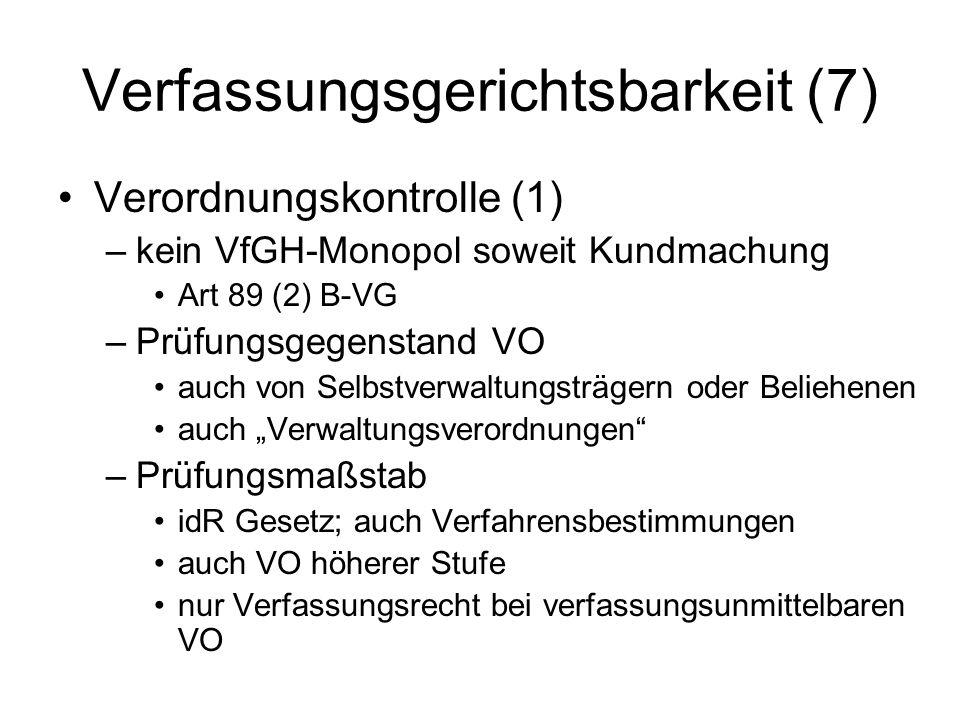 Verfassungsgerichtsbarkeit (7)
