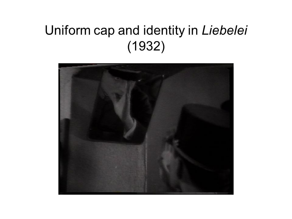 Uniform cap and identity in Liebelei (1932)