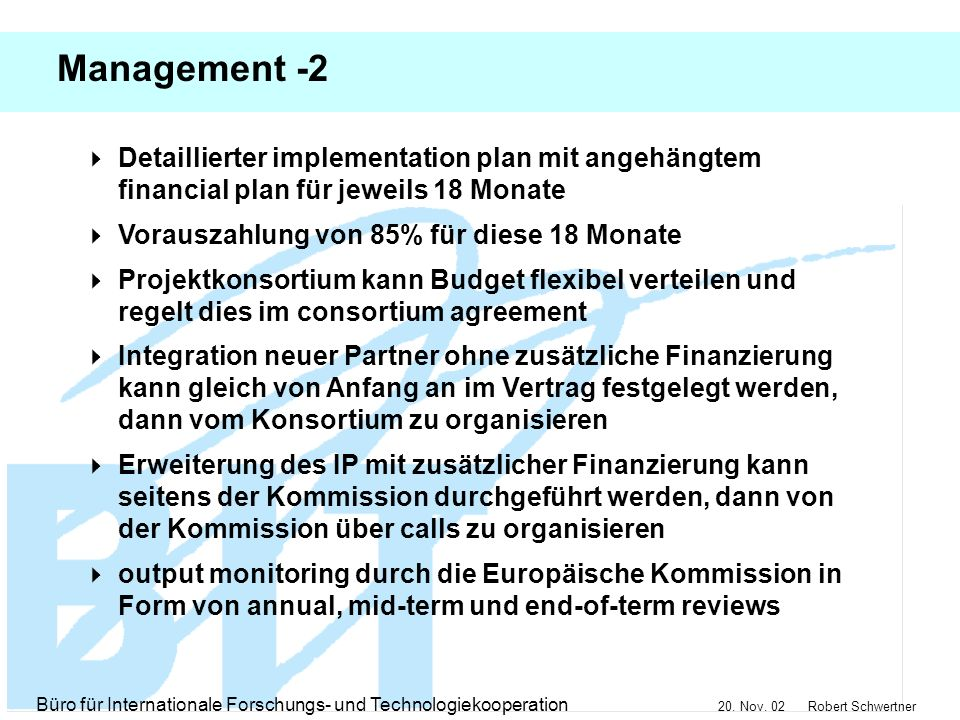 Management -2 Detaillierter implementation plan mit angehängtem financial plan für jeweils 18 Monate.