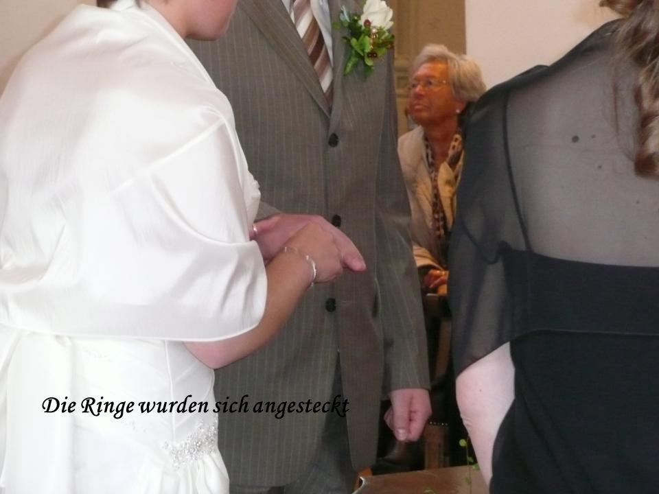 Die Ringe wurden sich angesteckt