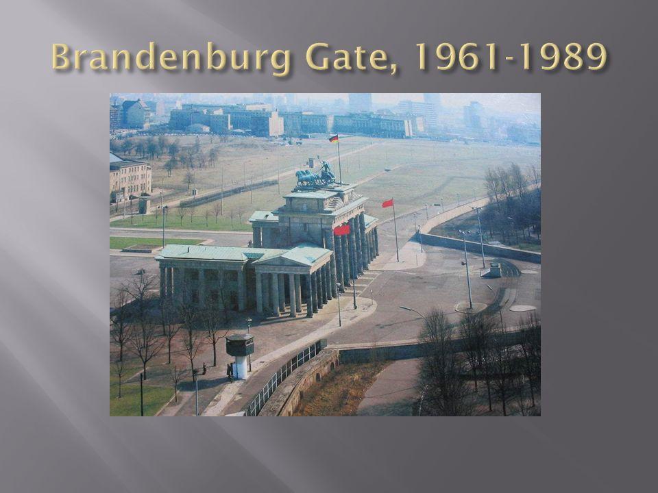 Brandenburg Gate, 1961-1989
