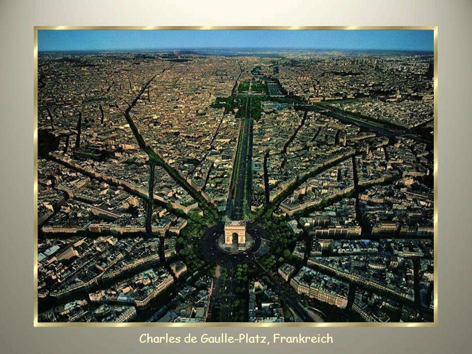 Charles de Gaulle-Platz, Frankreich