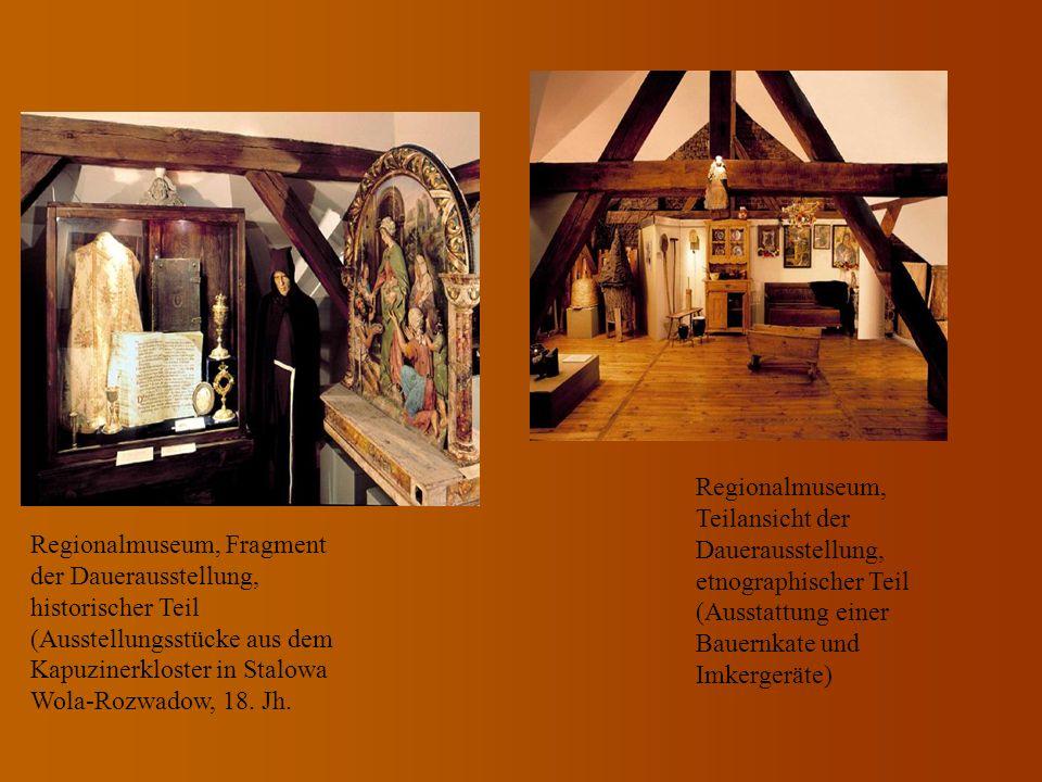 Regionalmuseum, Teilansicht der Dauerausstellung, etnographischer Teil (Ausstattung einer Bauernkate und Imkergeräte)