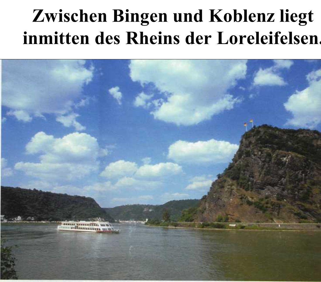 Zwischen Bingen und Koblenz liegt inmitten des Rheins der Loreleifelsen.