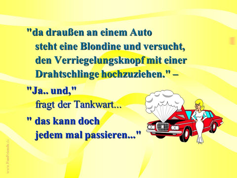 da draußen an einem Auto steht eine Blondine und versucht, den Verriegelungsknopf mit einer Drahtschlinge hochzuziehen. –