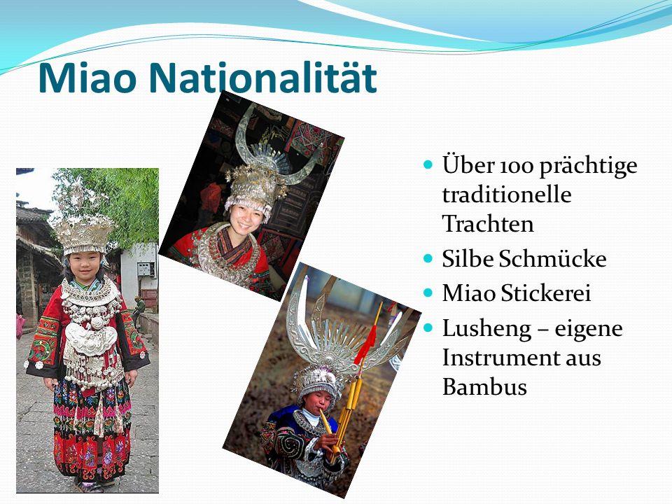 Miao Nationalität Über 100 prächtige traditionelle Trachten