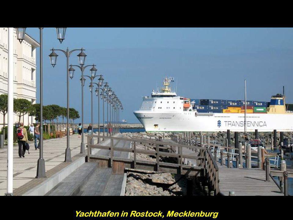 Yachthafen in Rostock, Mecklenburg