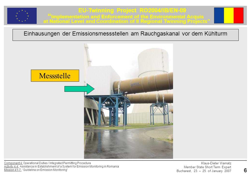 Einhausungen der Emissionsmessstellen am Rauchgaskanal vor dem Kühlturm