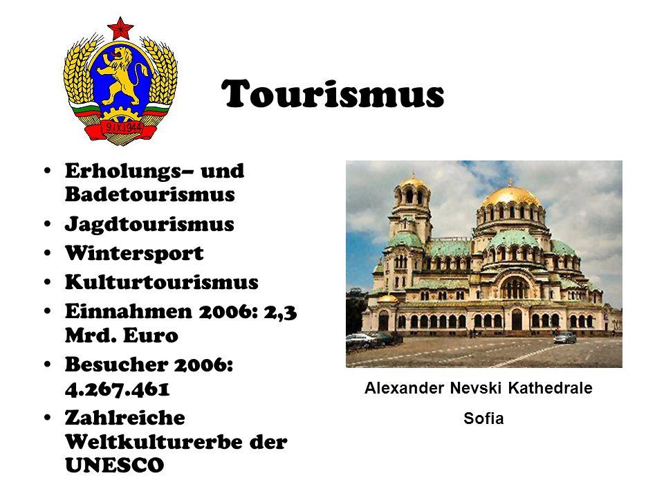 Tourismus Erholungs– und Badetourismus Jagdtourismus Wintersport