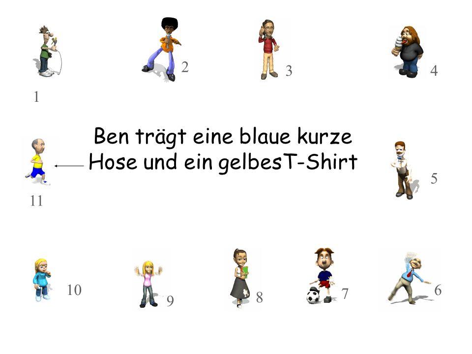 Ben trägt eine blaue kurze Hose und ein gelbesT-Shirt