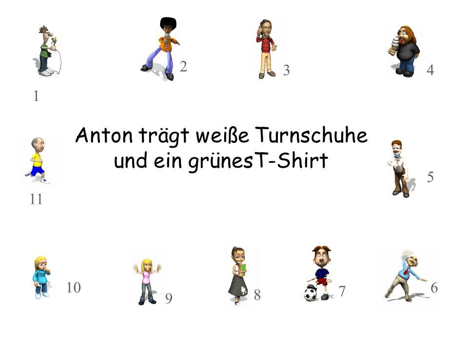 Anton trägt weiße Turnschuhe und ein grünesT-Shirt