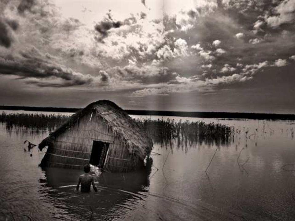 Auswirkungen der Klimakrise können wir heute schon sehen, wie zum Beispiel hier, in Form von Flut und Überschwemmungen in Bangladesch…